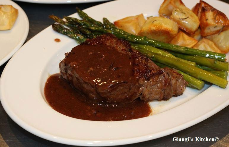new York steaks wine sauce