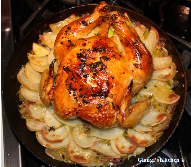 roasted chicken with potatoes nad leeks