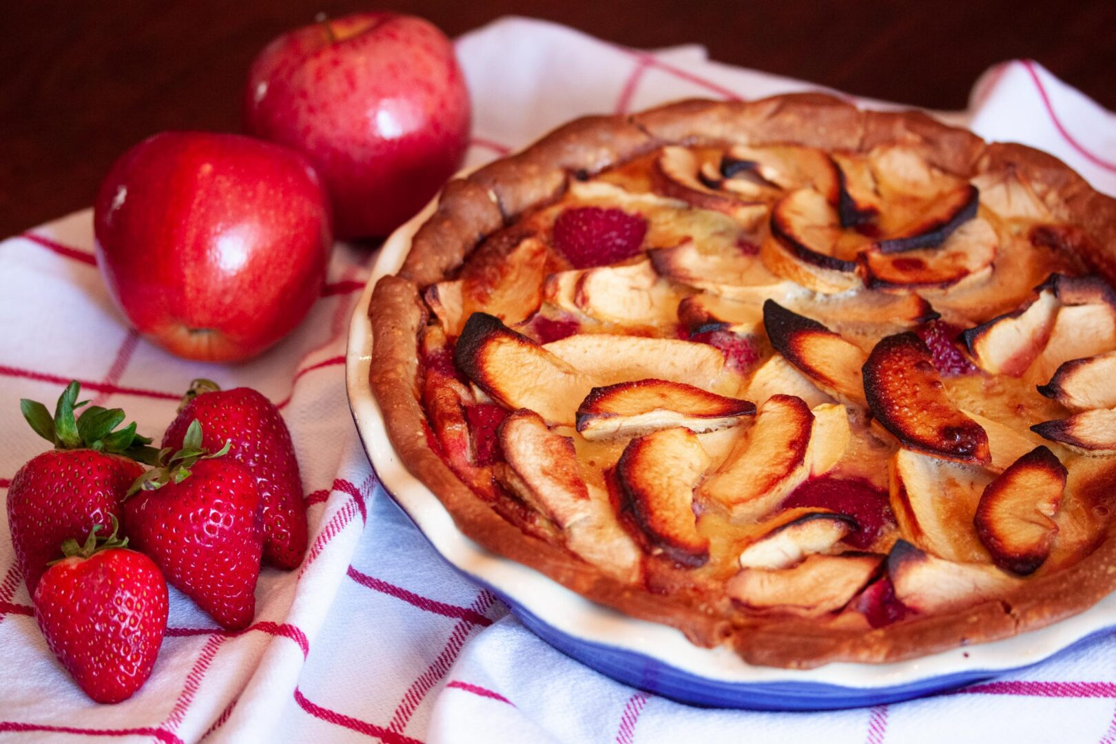 strawberry apple pie
