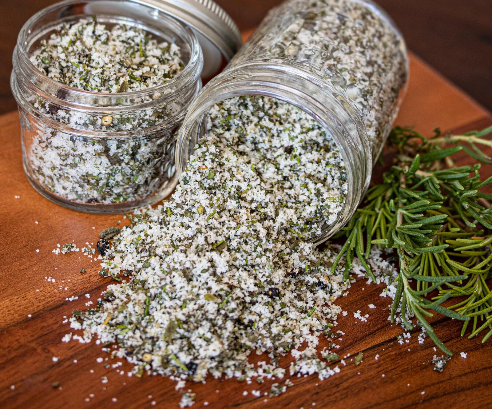 fresh herbs, garlic and salt rub
