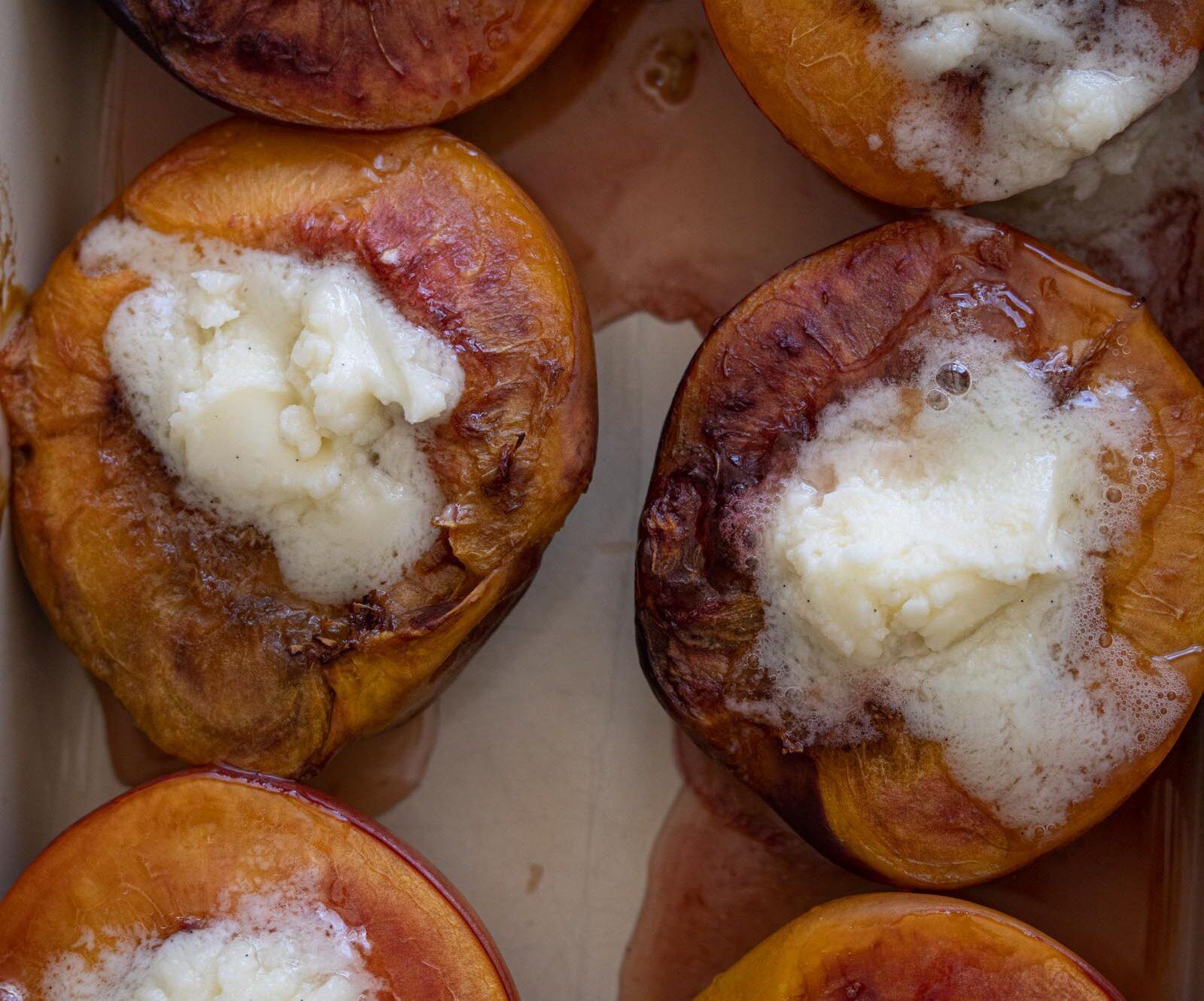 mascarpone roasted peaches